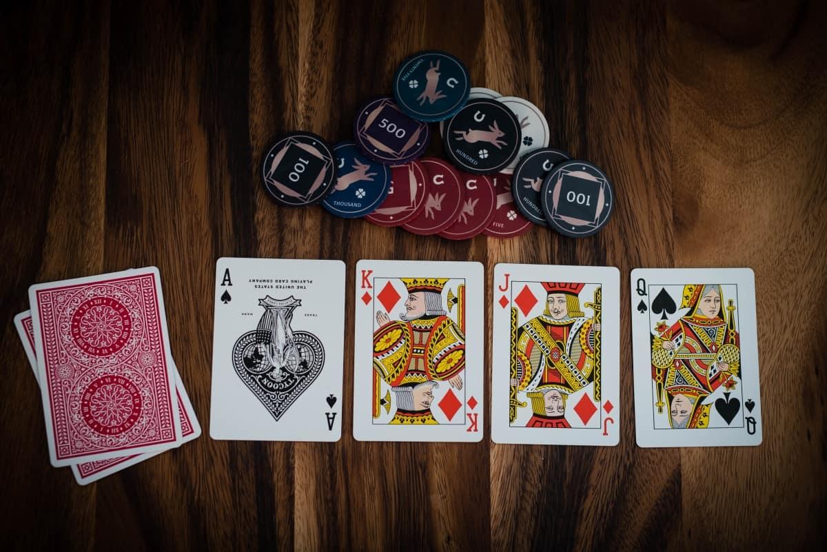 poker_clanek_madarsko